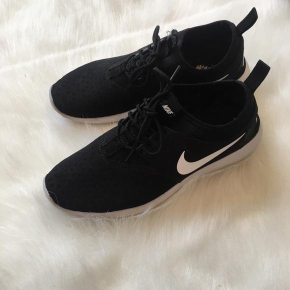 finest selection ca727 3302f Womens Nike Juvenate Size 10 BlackWhite. M5a5b986972ea889645ee753a